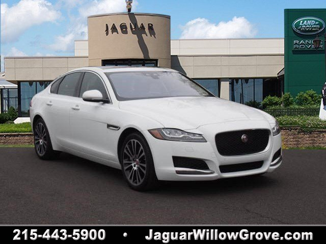 Certified Pre-Owned 2016 Jaguar XF 35t Prestige With Navigation & AWD